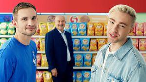 «На безрыбье и рак…» Как второй кипер «Динамо» попал в рекламу чипсов, от которой отказался Смолов