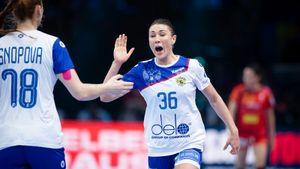 Русские гандболистки уничтожили Румынию. Мывшаге отпервого золота чемпионата Европы вистории