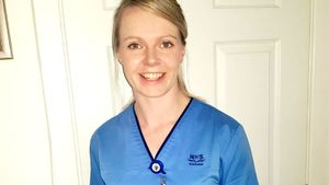 Серебряный призер ЧЕ-2019 по керлингу стала ночной медсестрой, чтобы помочь в борьбе с коронавирусом