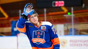 Новый скандал с кокаином в российском хоккее. Попался 19-летний форвард Алтыбармакян, которого выгнали из СКА