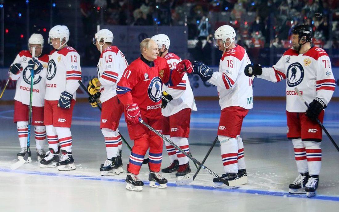 8 шайб Путина помогли Легендам хоккея обыграть сборную Ночной хоккейной лиги