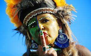 Данила Козловский, бразильский шаман и «дошик» для Неймара: главные фото со стадиона «Спартак»