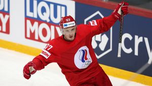 Россия вырвала победу на старте ЧМ-2021, забросив Чехии за 19 секунд до сирены. Как это было
