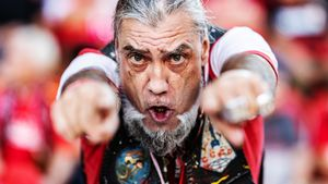 Немецкие фанаты протестуют против современного футбола. Как панки ирабочие болеют за«Унион»