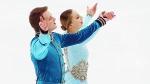 Бойкова и Козловский лидируют на ЧМ после короткой программы в соревнованиях пар