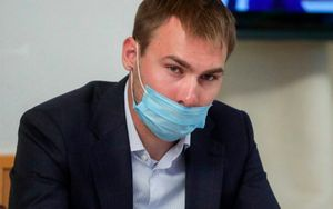 Чемпион ОИ-2014 Шипулин и его семья заболели коронавирусом. Жена биатлониста госпитализирована
