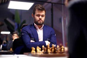 Карлсен в 3-й раз подряд одержал победу на шахматном супертурнире в Ставангере. Непомнящий— 4-й