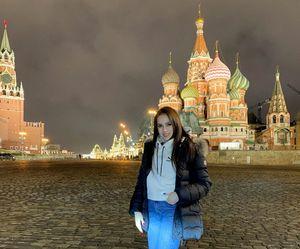 «Вечерняя Москва». Загитова сфотографировалась наКрасной площади