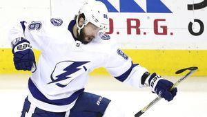 Побил личный рекорд Буре и повторил достижение Гретцки. Русский хоккеист Кучеров — лучший бомбардир плей-офф НХЛ