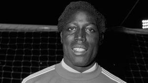 Бывший футболист «ПСЖ» и сборной Франции умер после 39 лет в коме