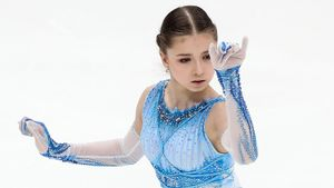 Валиева впервые сделала тройной аксель на этапе Кубка России в Москве. Она выиграла бы даже при наличии Косторной