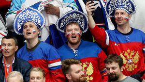 Словак проехал 200км ради фото сОвечкиным. Что окружало вторую победу России начемпионате мира