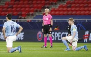 Судья Карасев и его помощники не встали на колено перед матчем «Манчестер Сити» — «Боруссия» М