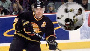 Легендарная драка русского хоккеиста Буре. Он уложил 100-килограммового канадца Симпсона с одного удара: видео