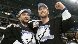 16 лет назад русский вратарь уже играл в финале НХЛ. Хабибулин выиграл Кубок Стэнли, а его приз MVP отдали канадцу