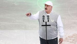 Лукашенко пообещал белорусским спортсменам 150 тысяч долларов зазолотую медаль наОИ