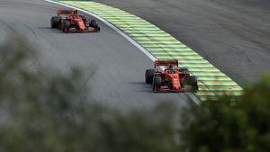 Оба пилота «Феррари» сошли с Гран-при Италии впервые с 1995 года. Гонку приостановили