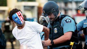 «Американские полицейские — это ужас. Расизм процветает». Сутовский отреагировал на скандал в США словами Бродского