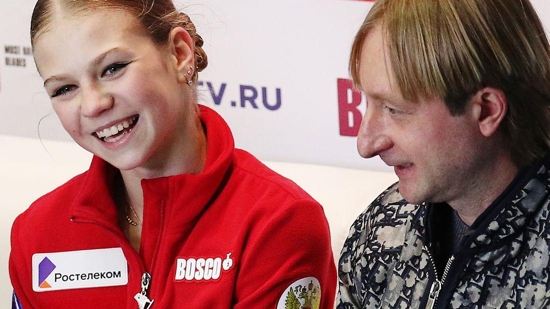 Плющенко снял для Трусовой президентский номер после опоздания на поезд