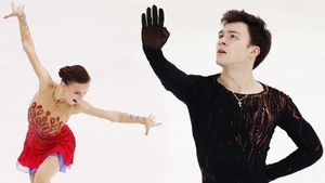 Щербакова прыгнула два четверных лутца ивыиграла Skate America, Туктамышева— 3-я. Как это было