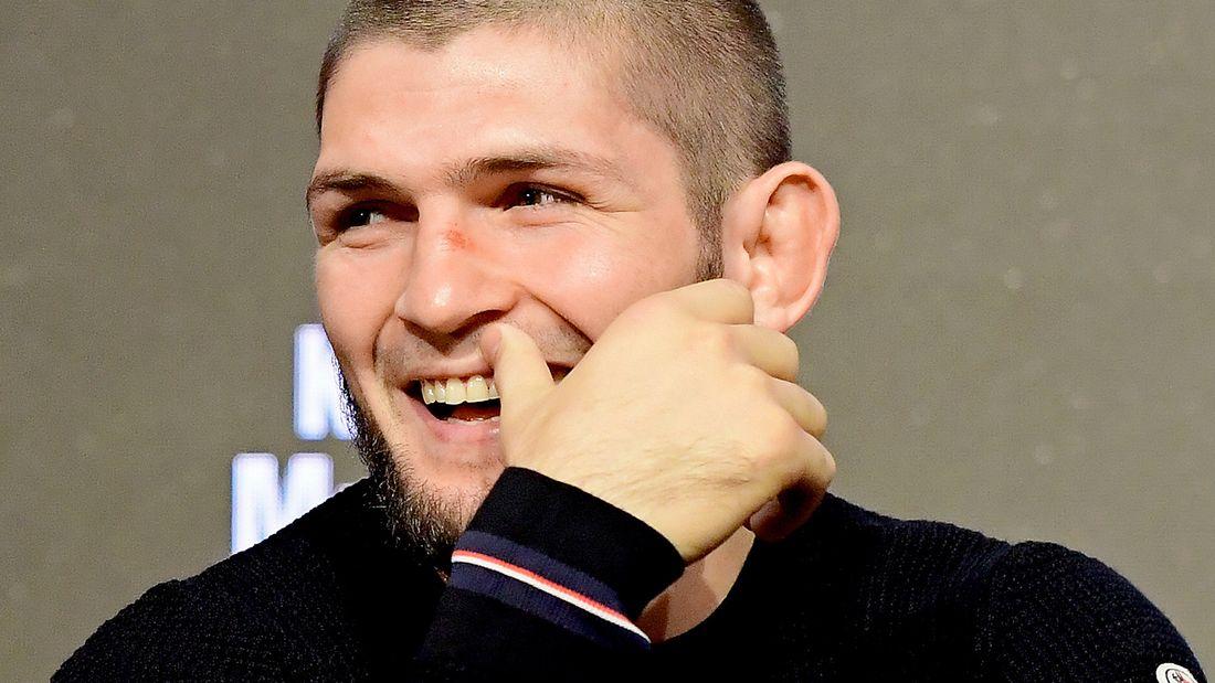 Глава UFC: Буду изо всех сил уговаривать Хабиба провести еще один бой