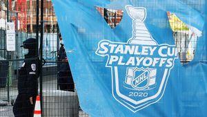 «Я ненавижу белых на льду, но сейчас горжусь ими». НХЛ остановила плей-офф из-за расизма в США — пока на 2 дня