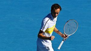 Главный русский теннисист за 1,5 часа вышел в 1/4 финала Australian open. Медведев установил новый рекорд