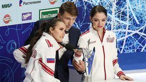 «Время первых» Медведевой против «Красной машины» Загитовой: короткие программы на Кубке Первого канала. Live