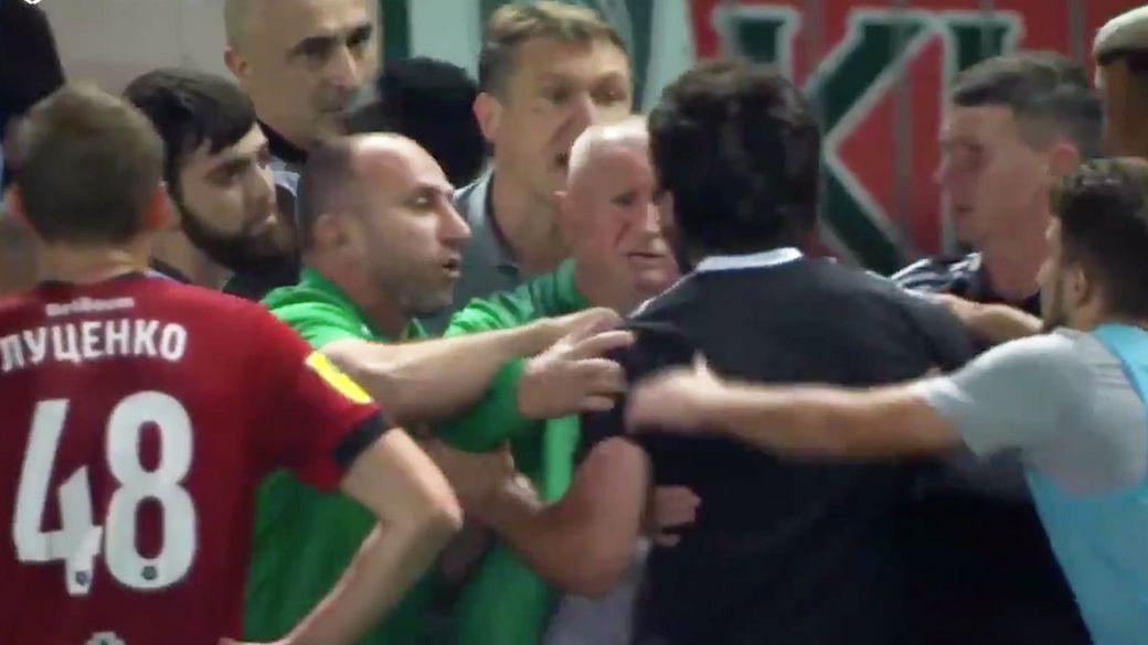 Громкий скандал в Грозном. Футболисты Ахмата забили гол, нагло проигнорировав фэйр-плей: видео