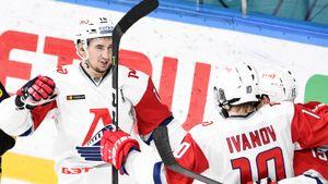 Молодой русский избивал судью, а теперь зажигает с канадцем. Они приближают Ярославль к СКА и ЦСКА