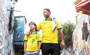 Сын хоккеиста Ковальчука забил в первой игре за бразильский футбольный клуб. Там его зовут Филипиньо