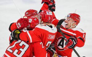 Дичайший камбэк лучшей команды КХЛ. «Автомобилист» отыгрался с 1:4 и победил в десятый раз подряд
