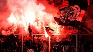 УЕФА забанил фанатов «Аякса» навыездной матч с«Челси». Ноони все равно приедут вЛондон