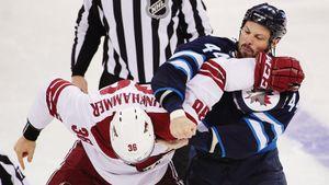 «Через пять месяцев после выпускного я играл в НХЛ». История первого армянина в лучшей лиге мира