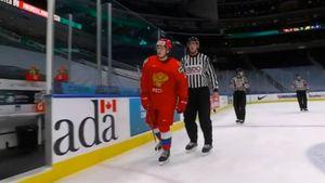 Русский хоккеист выматерился в адрес судьи на молодежном ЧМ. Абрамова не устроило удаление в игре со Швецией