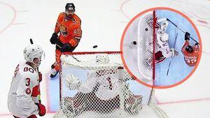 Игрок «Амура» Архипов забил необычный гол. Он забросил застрявшую наверху ворот шайбу