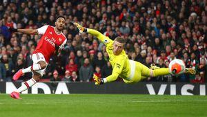 Дубль Обамеянга помог «Арсеналу» обыграть «Эвертон» вматче АПЛ