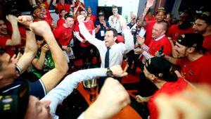 Литры пролитого шампанского, поцелуи с кубком — ЦСКА в 9-й раз подряд выиграл Лигу ВТБ. Лучшие фото