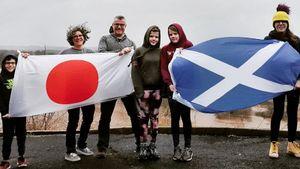 Семья шотландцев поехала наОлимпиаду заполгода. Глава семьи бросил работу, нокоронавирус запер ихвоФранции