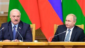 «Мир сошел сума, Россия вся полыхает». Лукашенко оценил опасность коронавируса