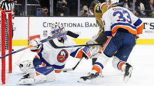 Фантастические спасения русского вратаря в НХЛ. Сорокин творит настоящие чудеса и не пропускает 120 минут