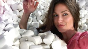 «Невозможно найти туалетную бумагу». Жена Малкина пожаловалась надефицит вмагазинах Майами нафоне коронавируса