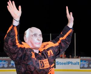 Лемтюгов рассказал ореакции россиян намаску Путина: «Много меня оскорбляли. Одна сплошная грязь»