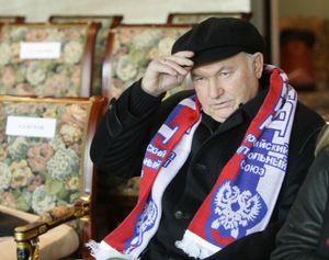 Умер экс-мэр Москвы Лужков. Он провел в столице финал ЛЧ, а его любимый клуб дразнили «кепками»
