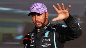 Хэмилтон выиграл Гран-при Великобритании, несмотря на 10-секундный штраф, Мазепин— 17-й