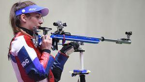 Зыкова завоевала серебро в стрельбе из винтовки из трех положений, у Каримовой бронза