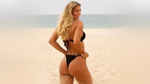 «Сладкие булочки». Юлия Ефимова восхитила поклонников пикантным фото с пляжа на берегу Тихого океана
