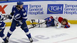 Русский хоккеист крушит бывших одноклубников. Теперь Сергачев отправил к врачам финна Лехконена: видео