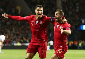 Эвра— Роналду: «Тебя нужно посадить втюрьму зато, что тысделал сбедным швейцарским защитником»
