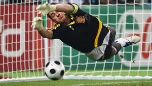 13 лет назад Италия и Испания тоже били пенальти. Тот матч— одна из главных драм Евро-2008